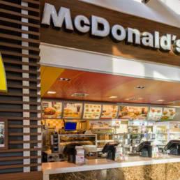 esterno negozio MC Donald's