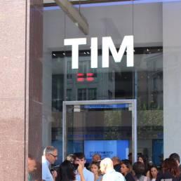 esterno negozio TIM